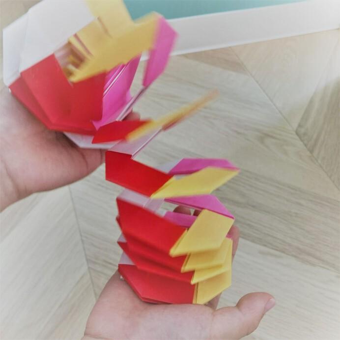 折り紙のスリンキー