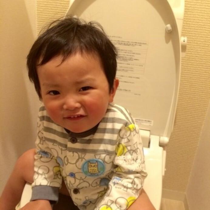 【保育士ママ伝授】アンパンマングッズやシールも大活躍☆子どもが楽しくおしっこできる「トイレトレーニング」のコツ
